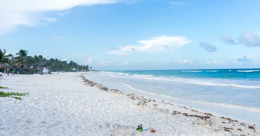 Lounge on the beaches   © Gabriel Garcia Marengo/Flickr