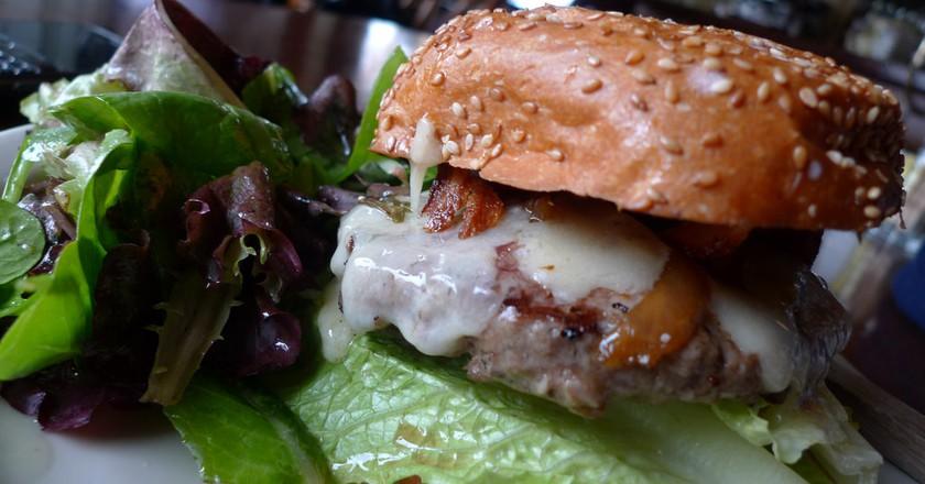 Burger © Ron Dollete / Flickr