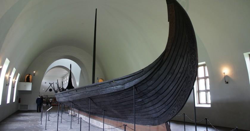 The Oseberg ship at the Viking Ship Museum  © sprklg / Flickr