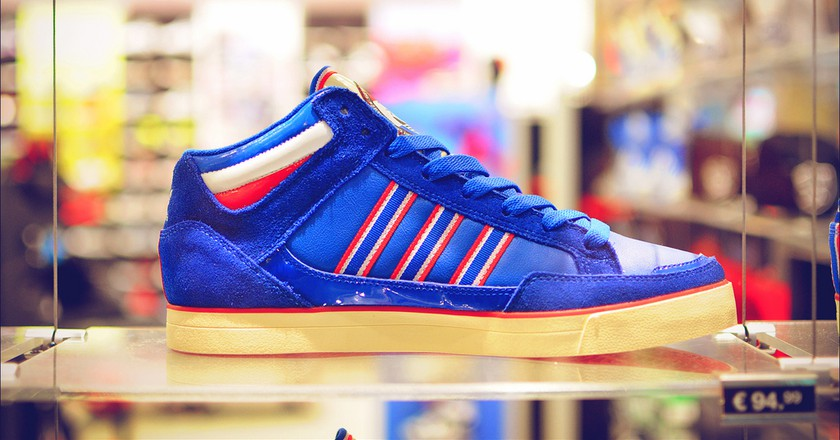 "<a href=""https://www.flickr.com/photos/top10-flickr/8623548857/"" target=""_blank"" rel=""noopener noreferrer"">adidas sneakers   © Jordan LAB / Flickr</a>"