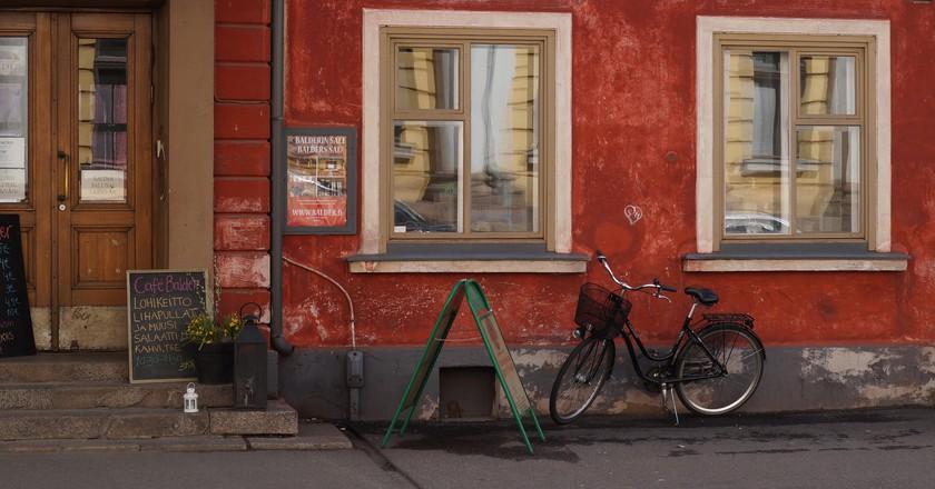 A Helsinki Cafe/ Pixabay