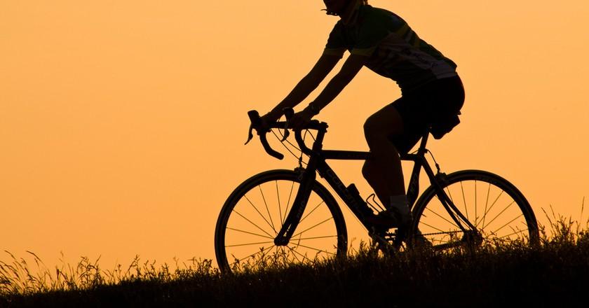 <a href= Sunset cycling | © Håkan Dahlström/Flickr