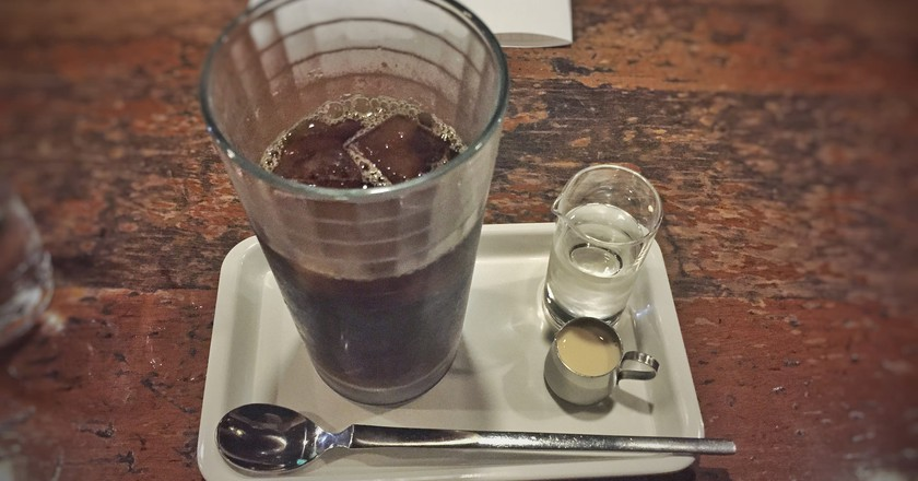 Iced coffee at Café de L'Ambre in Ginza, Chuo | © T.Tseng/Flickr