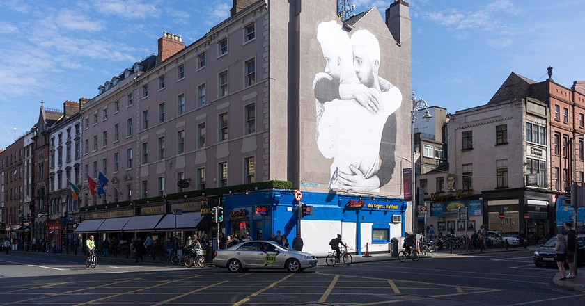 Yes Equality mural by Joe Caslin in Dubiln   © William Murphy / Flickr