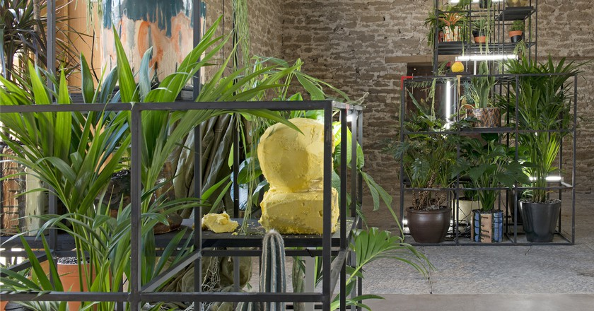 Installation view of 'Rashid Johnson: Stranger' at Hauser & Wirth Somerset, 2017 | © Rashid Johnson Courtesy the artist and Hauser & Wirth. Photo: Ken Adlard
