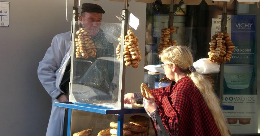 Guy selling pretzels in Cracow   © generale/Flickr