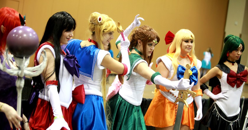 Sailor Moon cosplayers at a Comic Con | © Gage Skidmore/Flickr