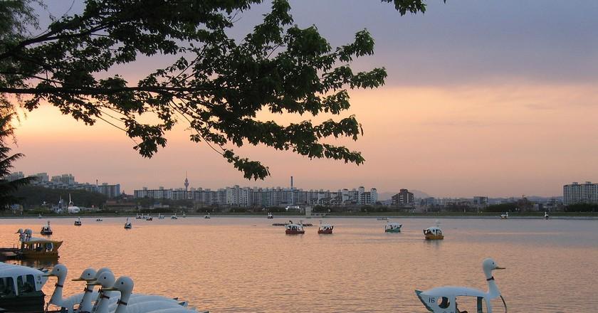 Suseong Lake   © Thorfinn Stainforth / Wikimedia