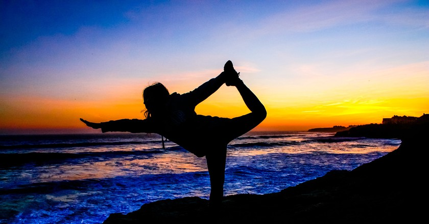 Yoga Next to the Pacific © Pixabay