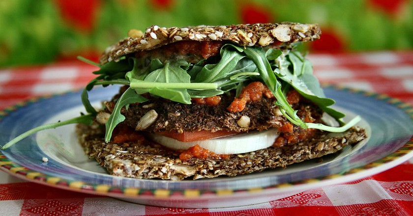 Raw Vegan Veggy Patty | © nuagecafe / Wikimedia