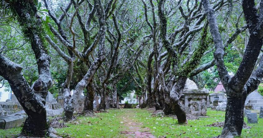 Cemetery in Georgetown, Penang | © Jiří 伊日 / Flickr <https://www.flickr.com/photos/92903415@N05/10755635745/>