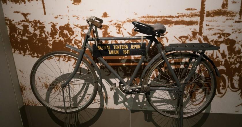 Cycling has been a part of Malaysian history for a long time   © Thomas Quine / Flickr <https://www.flickr.com/photos/quinet/32075837520/in/photolist-QSr3Zo-62iUTa-eiAXEf-eivdjM-eiAY3y-eivdQD-eiAXEE-eiAY4m-eivdTk-eivdSv-eivdzv-eivdEX-eivdRa-eivdTz-eivdvM-eivdmx-eiAXGU-eiAXAW-eivdKc-eivdFF-eiAXX1-eiAXBA-eivdQP-eiAXxf-eiAXXh-eivdwx-eiAY1C-eiAXCY-eiAXDC-eivdNx-eivdw2-eivdjt-eiAXFj-eiAXZC-eiAXXd-y8eUJ-qbJA4u-dkaK6F-4fW5MN-6xrKvV-62iUuX-VQnSBZ-dYqQMH-djuFEt-jEYqWq-6VkWFD-82Qn5h-qdTwmd-5dVyrb-9fNpRc>