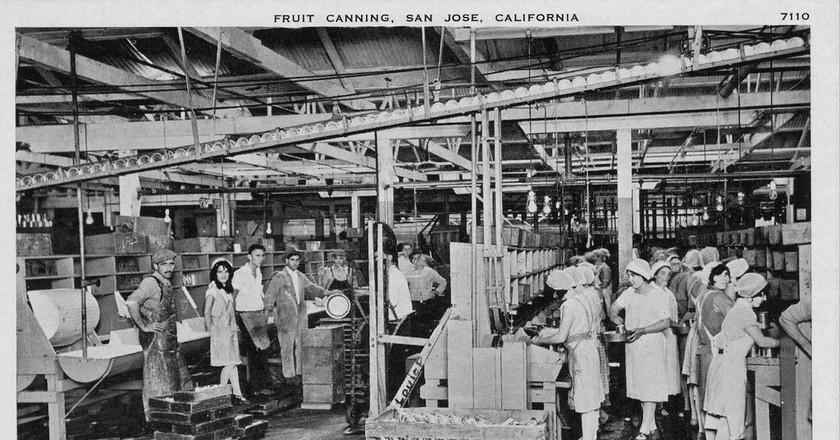 Fruit cannery in San Jose | San José Public Library/Flickr