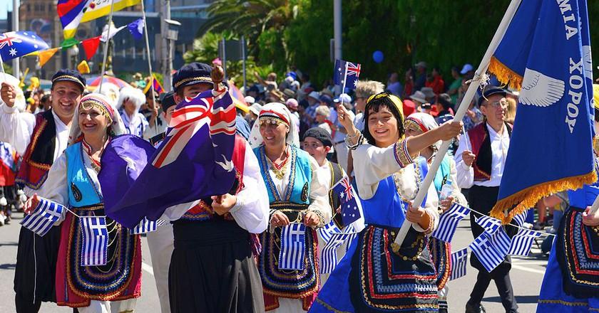 https://commons.wikimedia.org/wiki/File:Australia_Day_2014_(12153386466).jpg