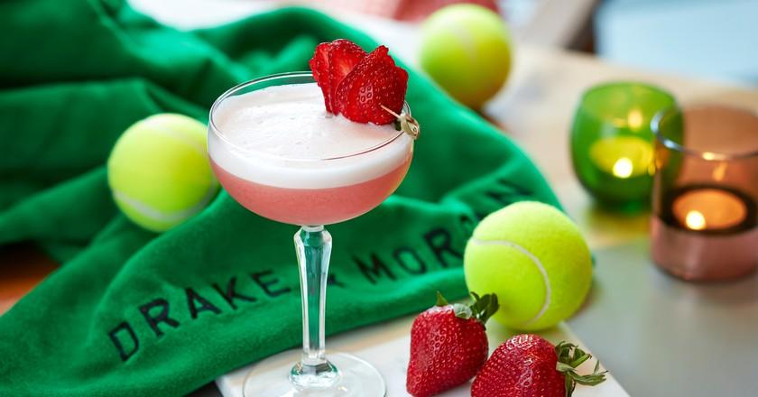 Drake and Morgan's Strawberries & Crème cocktail | © Roche comms/Drake and Morgan