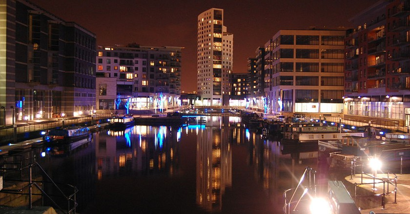 Leeds at night | © Wikimedia Commons