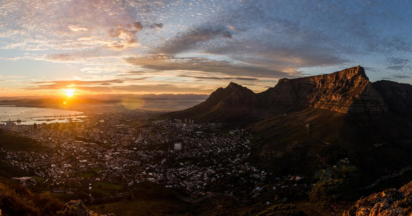 "<a href=""https://www.flickr.com/photos/danrutlandmanners/14289662262/in/photolist-nLJfKh-sADm9-sAD6B""> Cape Town Winter Sunrise 