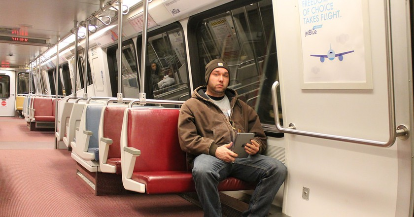 Manspreading is now banned on Madrid's public transportation    © Elvert Barnes/Flickr