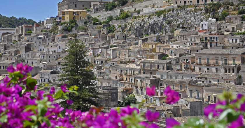 6 Reasons You Should Visit Sicily Over Sardinia