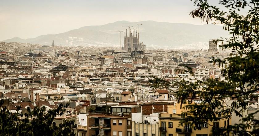 The Sagrada Familia and the Barcelona skyline | © jarmoluk/Pixabay