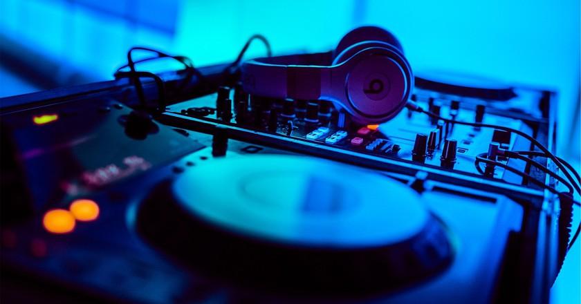 Press play | © StockSnap/Pixabay