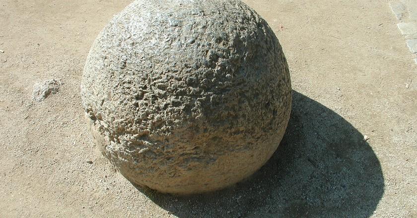 Stone Sphere | © Jared Tarbell/Flickr