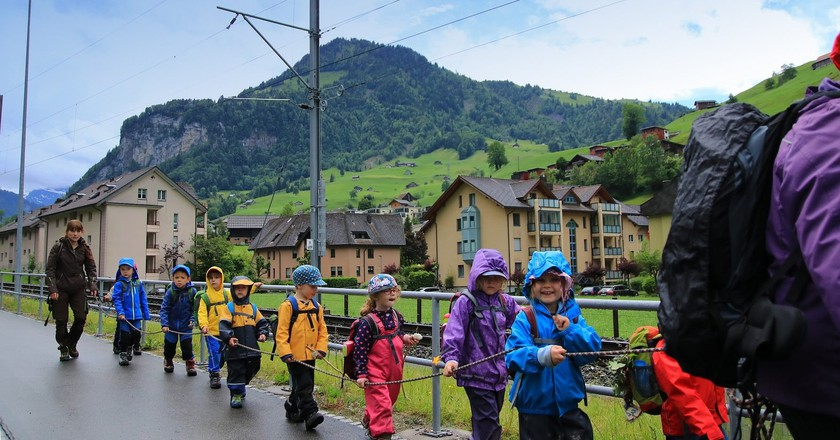 Children going for an outdoor learning session | © george17168 / Pixabay