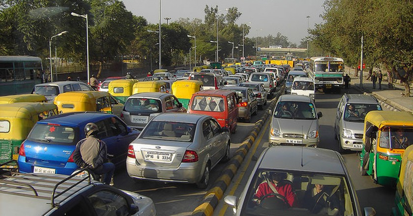 Traffic in New Delhi | Courtesy denisbin/Flickr