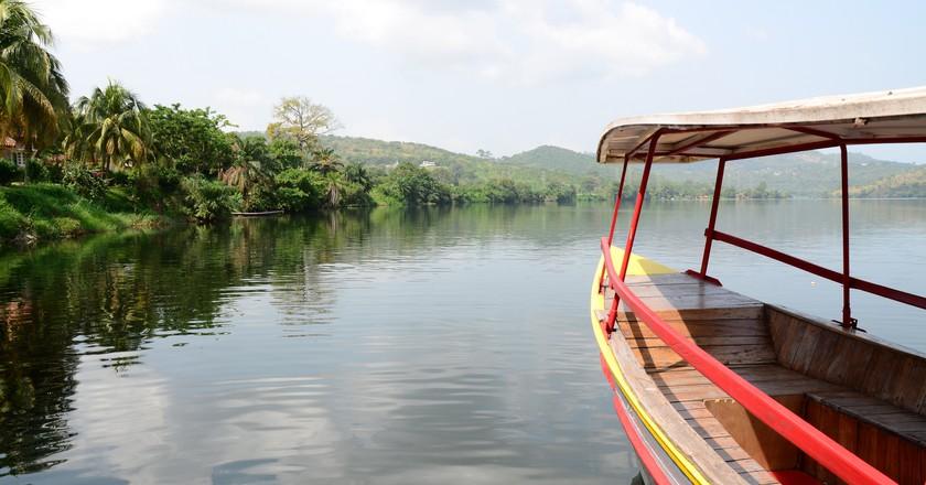 Lago Volta Reservoir, Ghana   © Rene Mayorga/Flickr