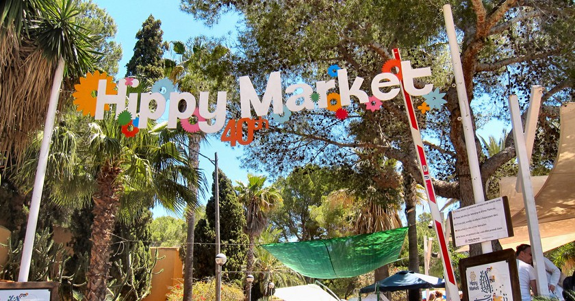 Punta Arabí hippy market I © Ronald Saunders/Flickr