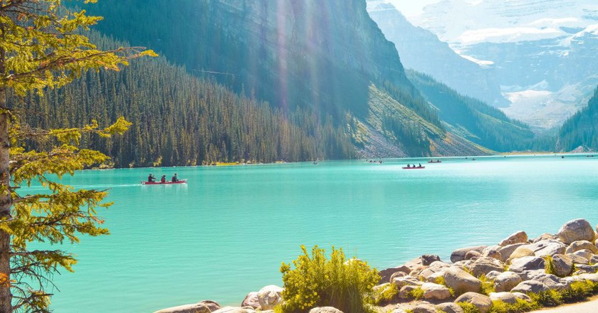 Lake Louise | © Hayley Simpson