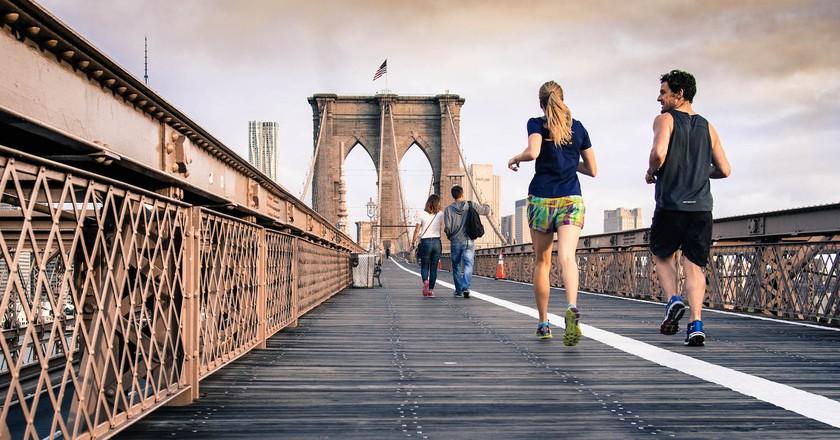 Runners on Brooklyn Bridge   © Stocksnap / Pexels