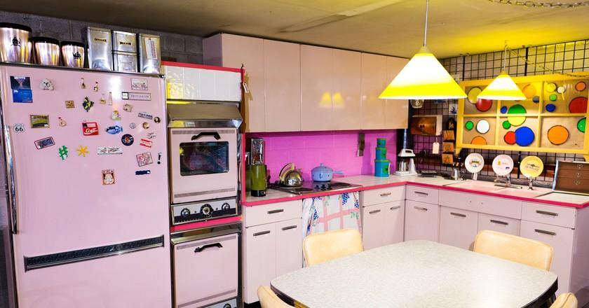 Retro Vegas Pink Kitchen