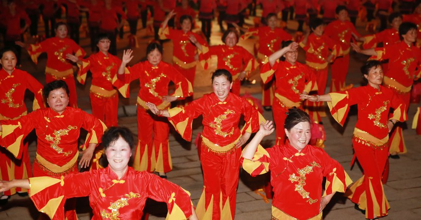 Chinese square dancing | © humphery/Shutterstock