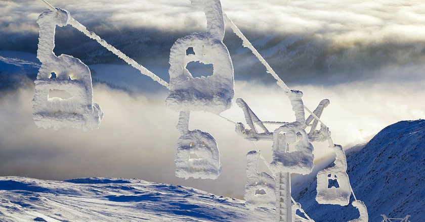 "<a href = ""https://www.flickr.com/photos/andersc77/5335118767/""> Snow lift | © Anders Carlsson/Flickr"