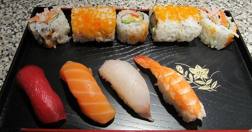 Sushi Platter |© Loozrboy / Wikimedia