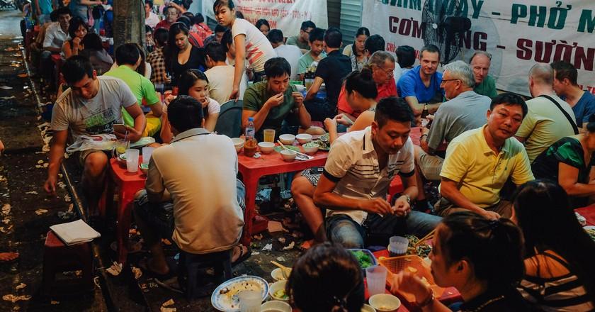 Street food in Hanoi   ©Paul Galow / Flickr