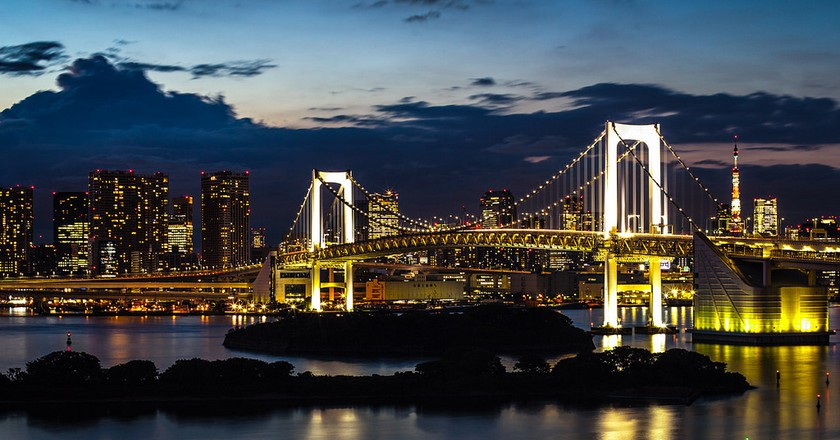 View of Tokyo and Rainbow Bridge from Odaiba | © Thilo Hilberer/Flickr