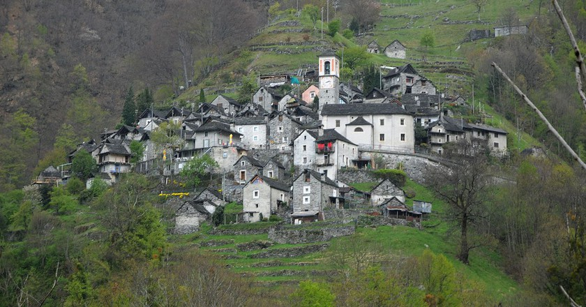 Corippo perched on its hillside | © böhringer friedrich/ Flickr