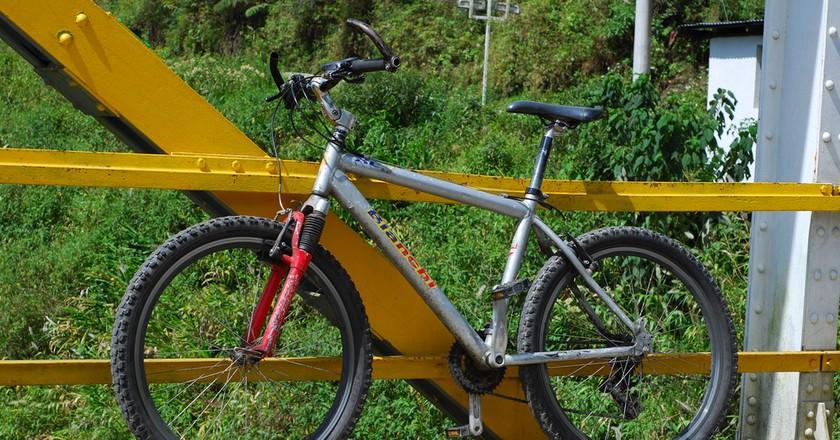 Rented Mountain Bike, Baños, Ecuador   © Eric Chan / Flickr