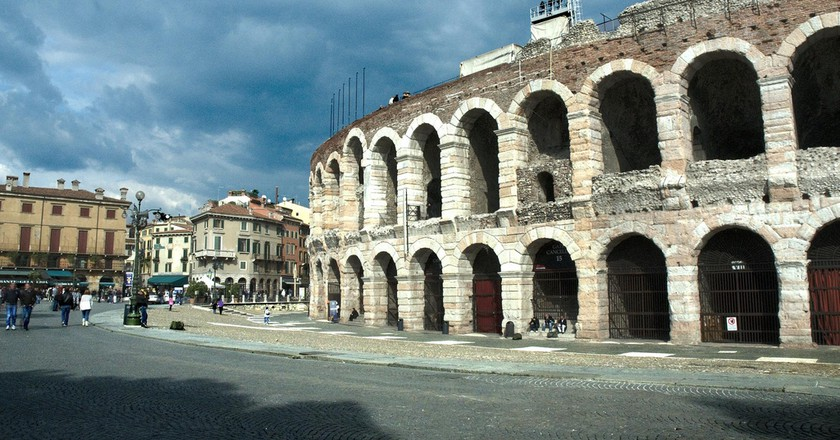 Verona's Arena seen from the street   40360866@N03