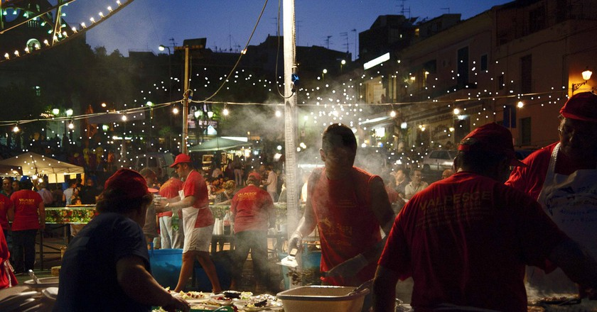 The late-night magic of the summer sagra | viaggioroutard/Flickr