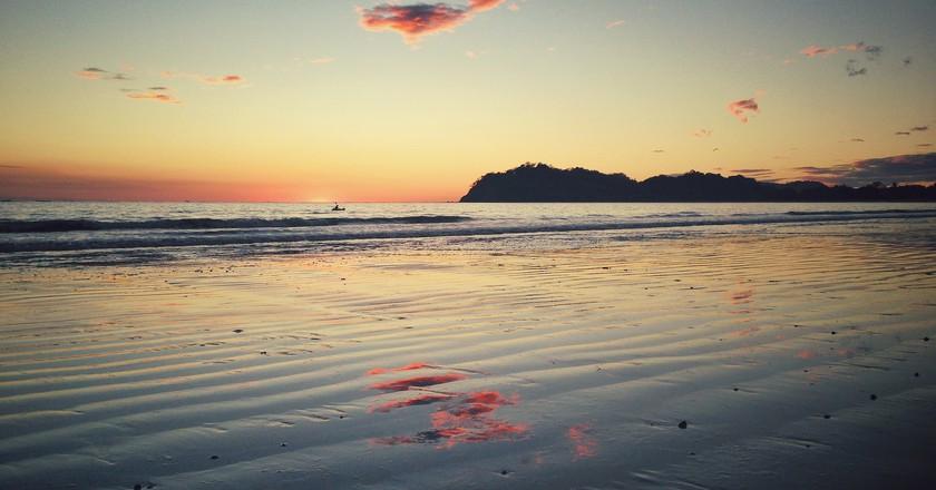 Samara beach at sunset   ©Mike Rolls /Flickr