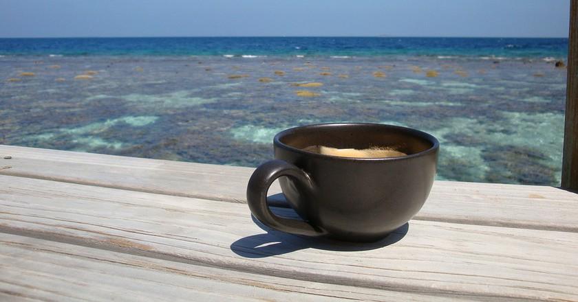 Coffee by the sea | © topfivemum/ pixaby