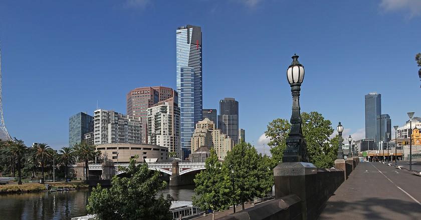 https://commons.wikimedia.org/wiki/File:Eureka_Tower_and_Yarra_River_-_Melbourne.jpg