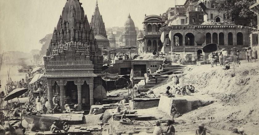 Samuel Bourne, Vishnu Pud & Surrounding Temples near the Burning Ghat, Benares (Varanasi) c. 1865   Courtesy Getty Images Gallery