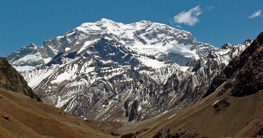 The imposing mass of Cerro Aconcagua, Mendoza   © mariordo59/Flickr