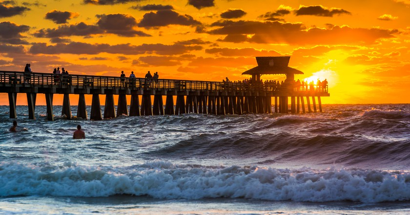 Sunset on Naples Beach | © Esb Professional / Shutterstock