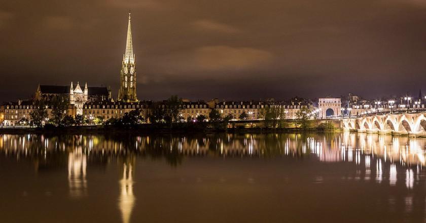 Night view over the Saint Michel Basilic | © Lockx3r/WikiCommons