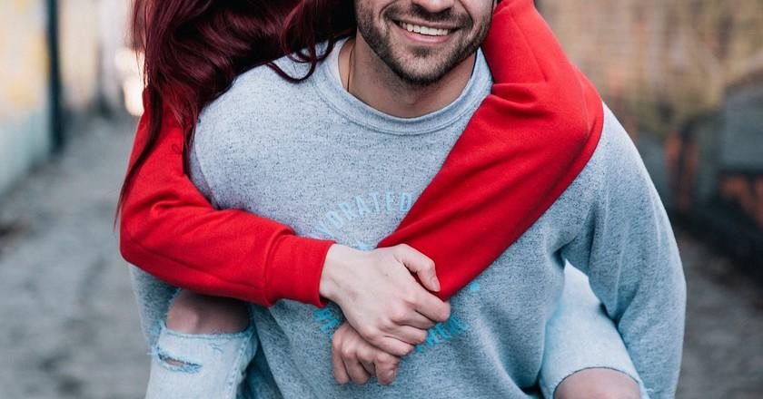 https://pixabay.com/en/people-man-woman-couple-dating-2557411/